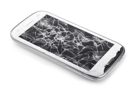 cristal roto: Smartphone con la pantalla rota aislado en blanco Foto de archivo