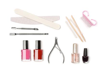 Bovenaanzicht van manicure apparatuur geïsoleerd op wit