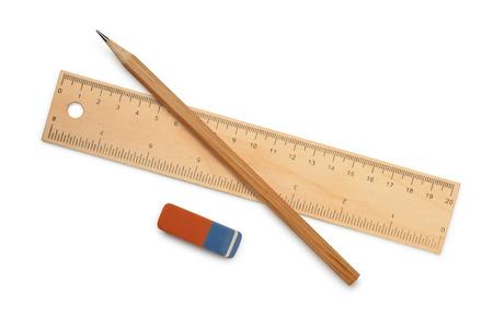전망: 눈금자, 연필과 지우개 흰색으로 격리 스톡 콘텐츠