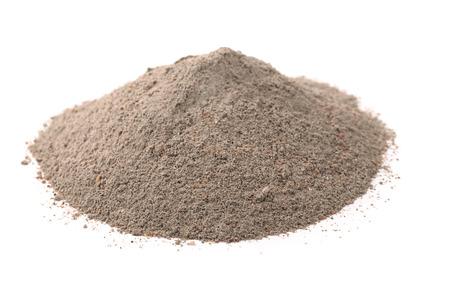 Stapel van beton zand mix op wit wordt geïsoleerd Stockfoto - 46730678