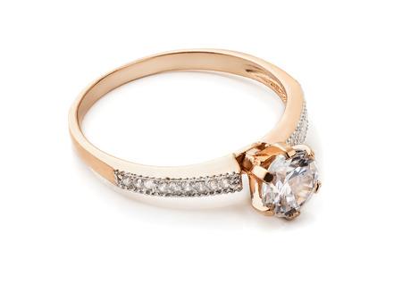 Anello di diamanti in oro isolato su bianco Archivio Fotografico - 46730748