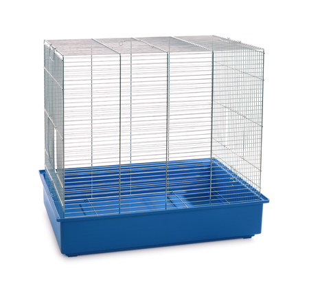 Empty animal cage isolated on white Standard-Bild