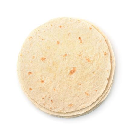 tortilla de maiz: Vista superior de pan plano de trigo aislado en blanco