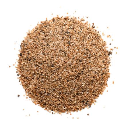 Bovenaanzicht van de zandhoop op wit wordt geïsoleerd Stockfoto