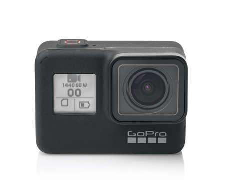 Samara, Russland - März 2020: Vorderansicht der neuen GoPro Hero 7 Black Edition Action-Kamera