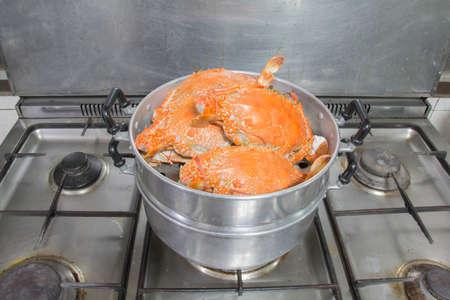 crab pot: crab cooking by stream pot