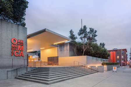 oakland: OAKLAND, CA - DEC 5, 2015: The Oakland Museum of California or OMCA (formerly the Oakland Museum) is an interdisciplinary museum dedicated to the art, history, and natural science of California, located in Oakland, California. The museum contains more tha Editorial