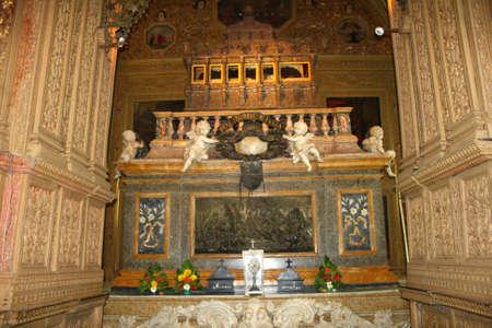 basillica: Casket of St.Francis Xavier in Basillica of Bom Jesus in Goa