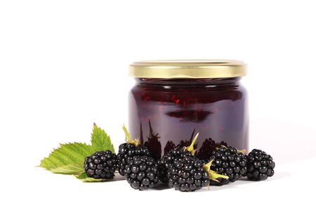 glas: Glas of jam with  fresh berries