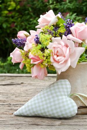 roze rozen en lavendel en het hart rozen