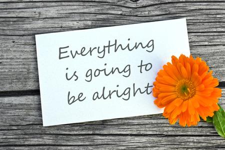 orange Ringel und weiße Karte mit Schriftzug alles wird gut sein Standard-Bild