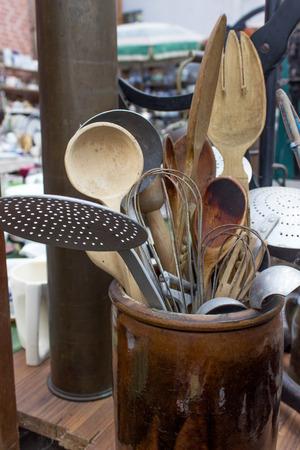 cucina antica: Vari vecchi utensili da cucina Archivio Fotografico