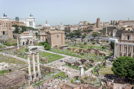 Surplombe le forum romain de la colline Palatine à Rome Banque d'images