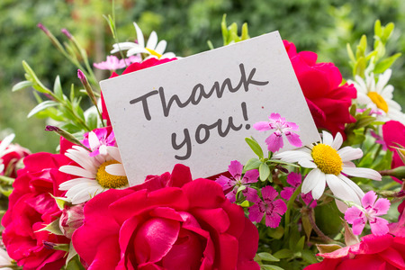 sincerely: Summer flowers and card with English text: Thank you Stock Photo