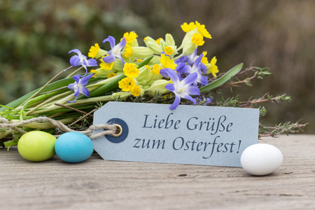 best regards: German-language greeting card for Easter with the text Best regards for Easter