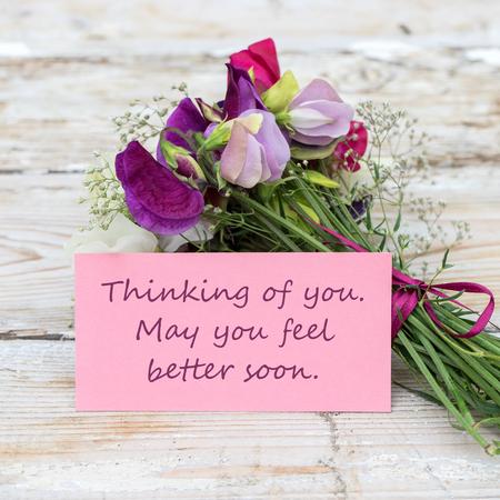 Blumenstrauß mit rosa und grünen Grußkarte
