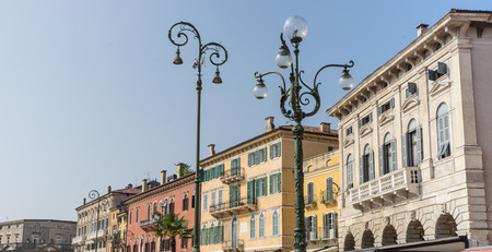 Buildings in Piazza Bra, Liston in Verona, Italy Standard-Bild