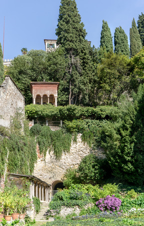 View of a beautiful garden at Verona in Italy Standard-Bild