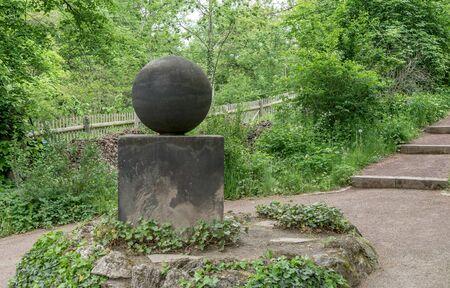 The stone of good luck, sculpture in the garden of Johann Wolfgang von Goethe in Weimar Standard-Bild