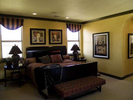 coverlet: Richly designed bedroom