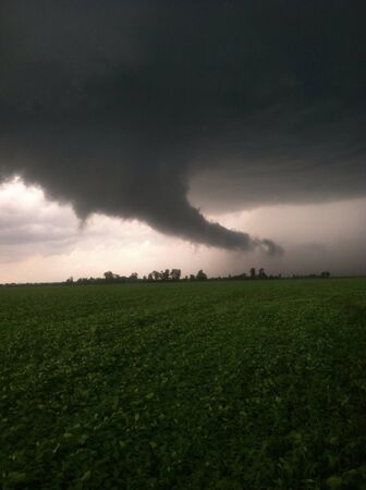 mococa: Tornado forming over bean field in boothill of MO