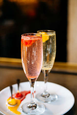 sorbet: Champagne drinks with sherbet