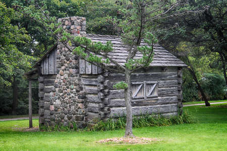 settler: An old log cabin in Milwaukee Stock Photo