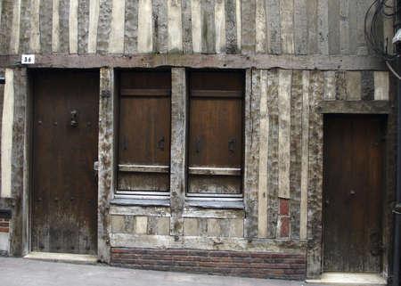 Vieille maison à Rouen en Normandie, France  Banque d'images - 681654