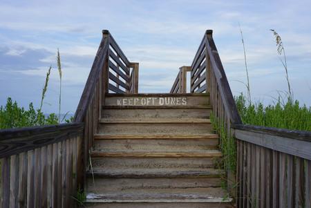 obedecer: escaleras de la playa