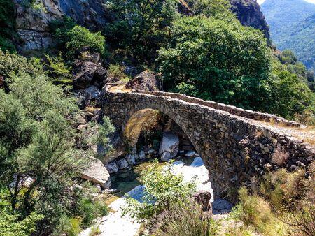 Ponte sul Rio Barbaira a Rocchetta Nervina, Liguria, Italia Stock Photo
