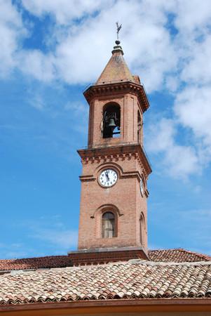 Bell tower of the Church of Serralunga, Piemonte - Italy Banco de Imagens - 93814483
