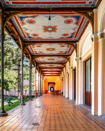 Old pedestrian corridor corridor in Herculane, Romania Banco de Imagens