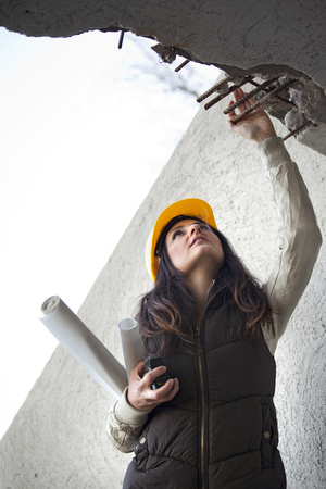 Young architecture woman in a construction Stock Photo - 71481002