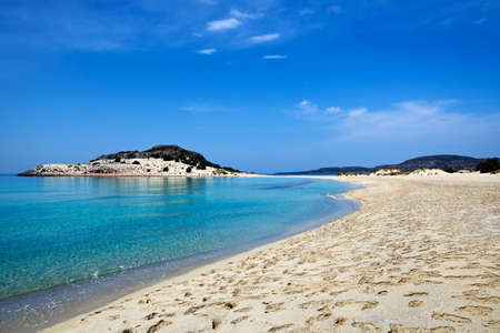 La increíble playa de Simos, en Isla de Elafonisos, Grecia Foto de archivo - 12959000