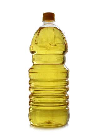 kunststof fles: geïsoleerde plastic fles van olijf olie op wit Stockfoto