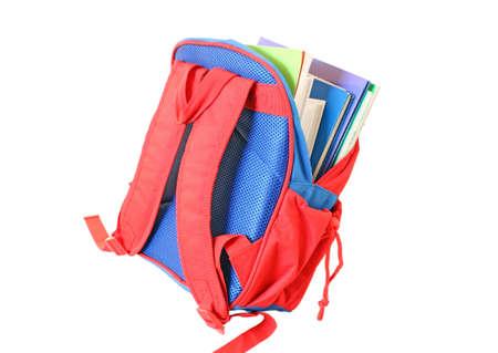 niño con mochila: Bolsa de escuela aislado en blanco