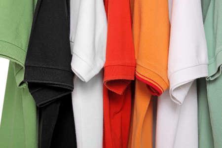 camisas: camisas de polo blanco Foto de archivo