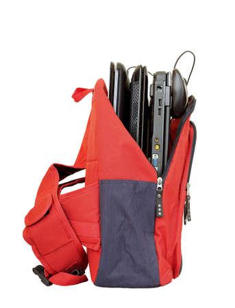 sac d ecole: sac d'�cole avec les ordinateurs portables isol�s Banque d'images