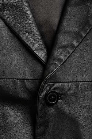 chaqueta de cuero: primer plano de la chaqueta de cuero negro