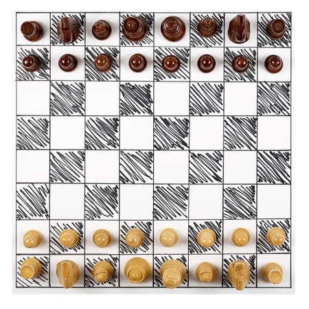 tablero: vista superior del tablero de ajedrez dibujado a mano con piezas de madera