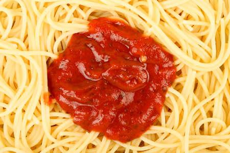 tomato sauce: spaghetti with tomato sauce in the middle Stock Photo