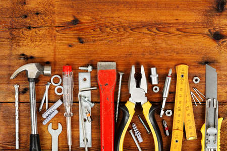 gouge: variety of tools on wooden planks
