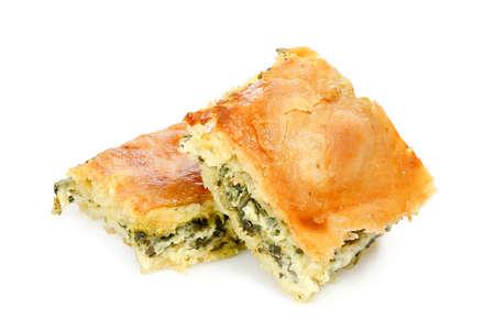 Spinatkuchen oder Spanakopita mit Spinat und Feta-Käse, griechischer traditioneller Nachtisch Standard-Bild