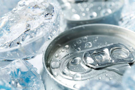 can of soft drink or beer with ice, top view and close up Zdjęcie Seryjne