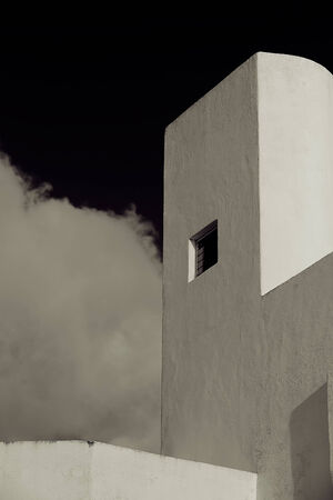 arhitecture: Black sky with white building in Cozumel, Mexico - Arhitecture