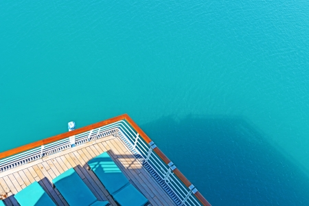 View from the stern of a cruise ship on the Pacific ocean