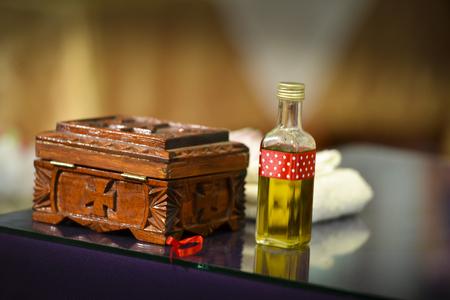 Botella de aceite de bautizo en una iglesia Foto de archivo