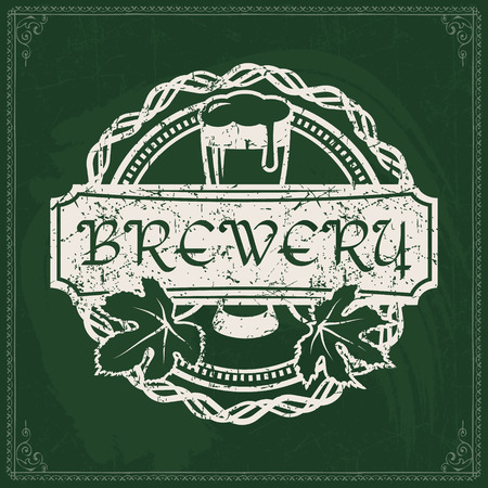 Craft beer brewery logo on vintage green chalkboard background. Template for bar or pub. 版權商用圖片 - 117904705