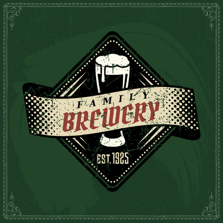 Craft beer brewery color logo on vintage green chalkboard background. Template for bar or pub. 版權商用圖片 - 117970819