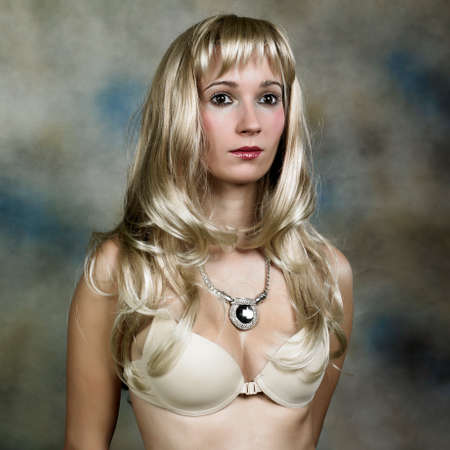 jewell: Lady - portrait in studio